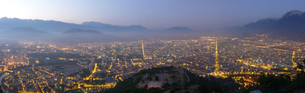 Grenoble_de_nuit_by_Matthieu_Riegler